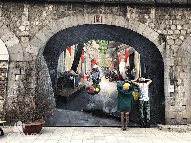 Phố bích họa Phùng Hưng - địa điểm cần check-in ngay dịp Tết này!